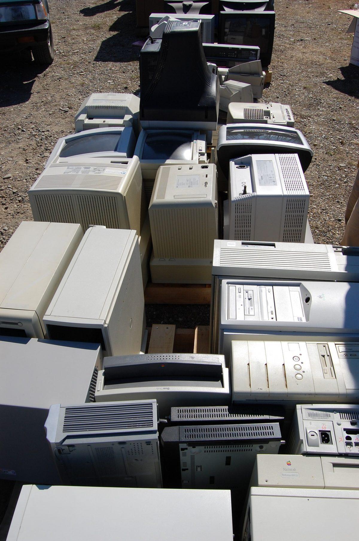 e-waste-704513_1920